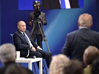 Кандидат в президенты РФ Владимир Путин во время предвыборной встречи со своими доверенными лицами в Гостином дворе. 30 января 2018