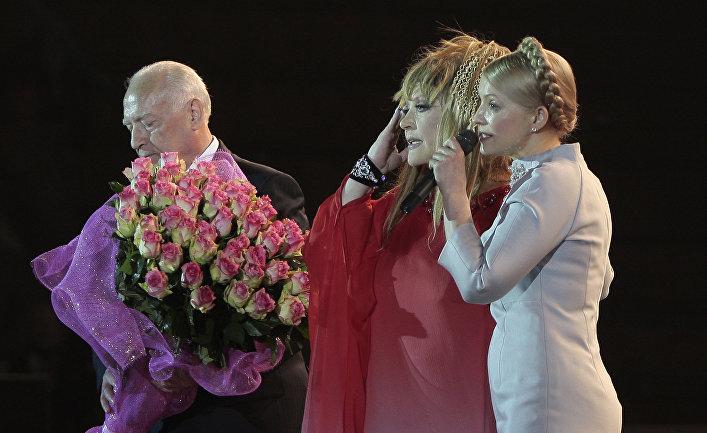 Премьер-министр Украины Юлия Тимошенко и певица Алла Пугачева