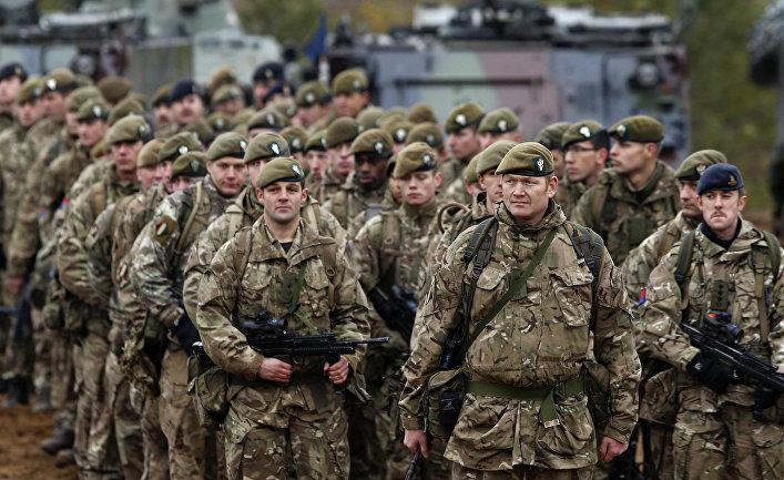 Британские солдаты на учениях НАТО Iron Sword 2014 в Литве