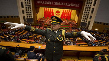 Дирижер военного оркестра на открытии ежегодного всекитайского собрания народных представителей в Пекине