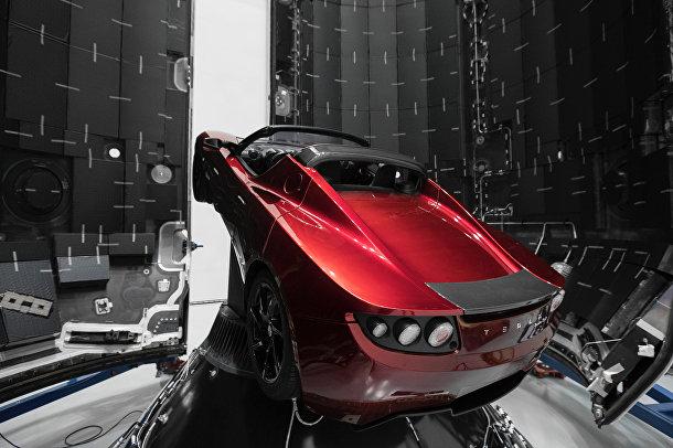 Электромобиль «Тесла Роадстер»
