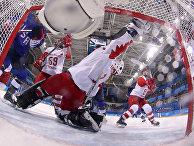 Российские хоккеистки во время матча США - Россия