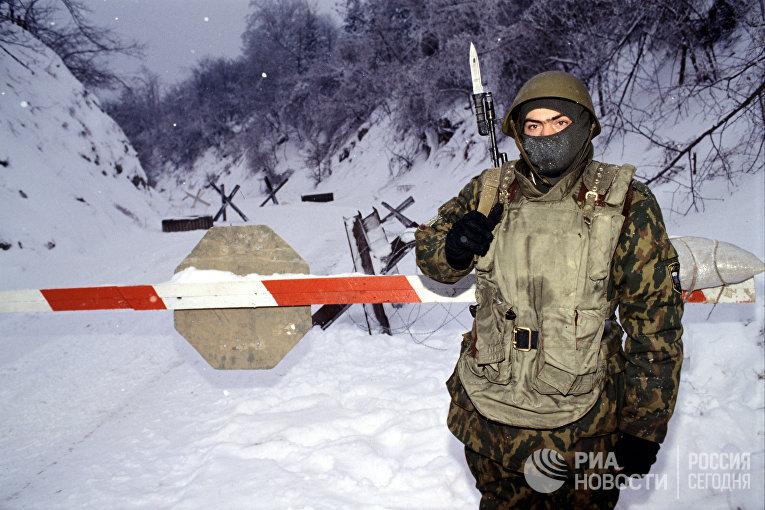 Участие российских десантников в операции по обеспечению мирного урегулирования в Боснии. Российский блокпост у селения Маевца