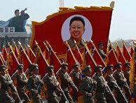 Военный парад в ознаменование 100-летия со дня рождения основателя страны Ким Ир Сена в Пхеньяне