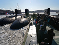 """Дизельная подводная лодка """"Комсомольск-на-Амуре"""" проекта 877 """"Палтус"""" во время торжественной церемонии ввода в боевой строй Тихоокеанского флота после ремонта и модернизации"""