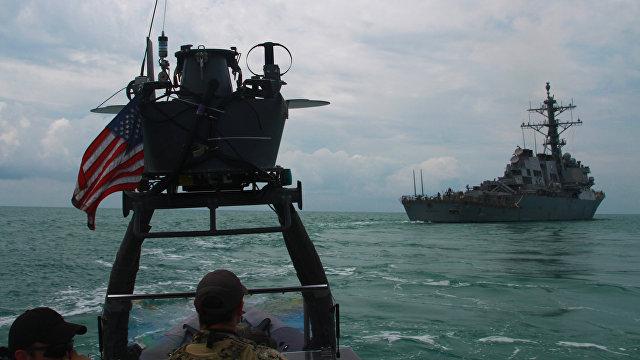 Россия против США: Путин распорядился о стрельбах в Черном море в связи с прибытием американских военных кораблей (Daily Express, Великобритания)