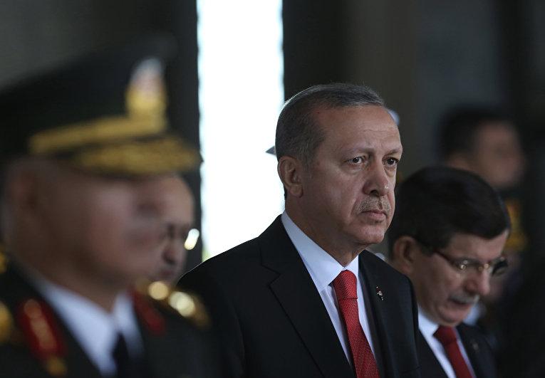 Президент Турции Реджеп Тайип Эрдоган на праздновании Дня победы в мавзолее Мустафы Кемаля Ататюрка