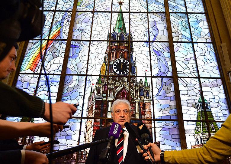 Посол России в Германии Сергей Нечаев после голосования на президентских выборах в российском посольстве в Берлине