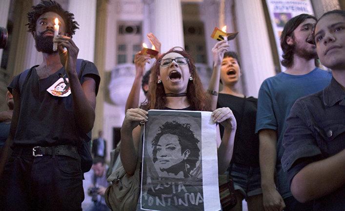 Акция протеста против убийства члена муниципального совета Рио-де-Жанейро Мариэль Франко