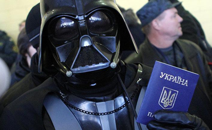 Активист украинской интернет-партии на избирательном участке в Киеве