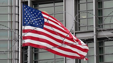 США высылает российских дипломатов из страны