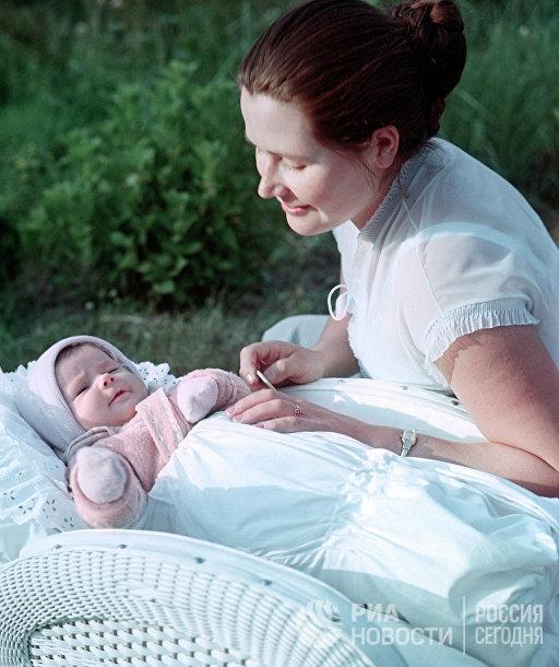 Валентина Гагарина с дочерью Галей