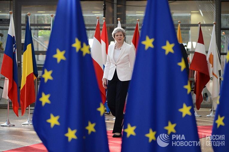Премьер-министр Великобритании Тереза Мэй на саммите ЕС в Брюсселе. 23 июня 2017