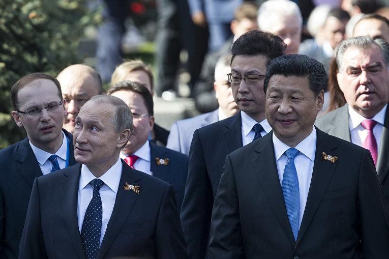 Владимир Путин и Си Цзиньпин перед парадом Победы в Москве