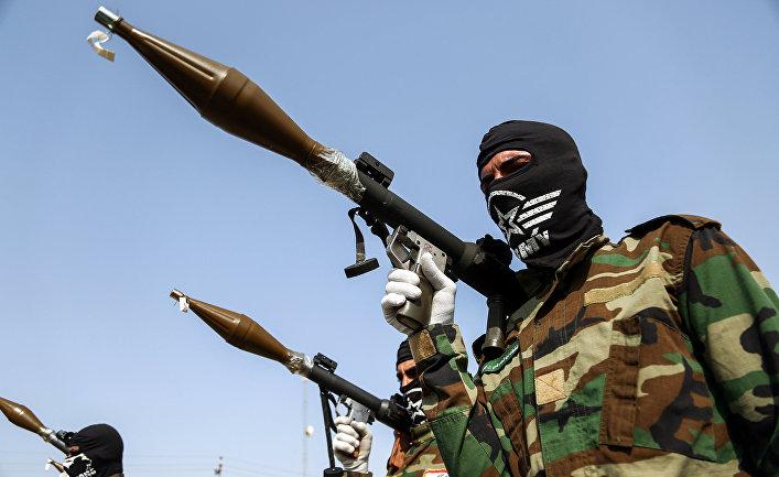 Члены группировки «Имама-Али» на военном параде в Ираке