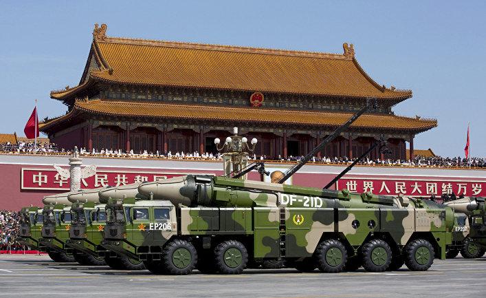 Ракетный комплекс DF-21D на параде в Пекине, посвященном победе в Японо-китайской войне