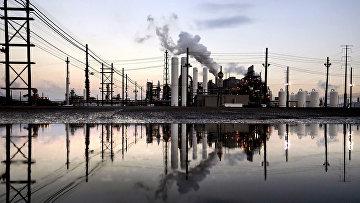 Нефтеперерабатывающий завод в Порт-Артуре, штат Техас