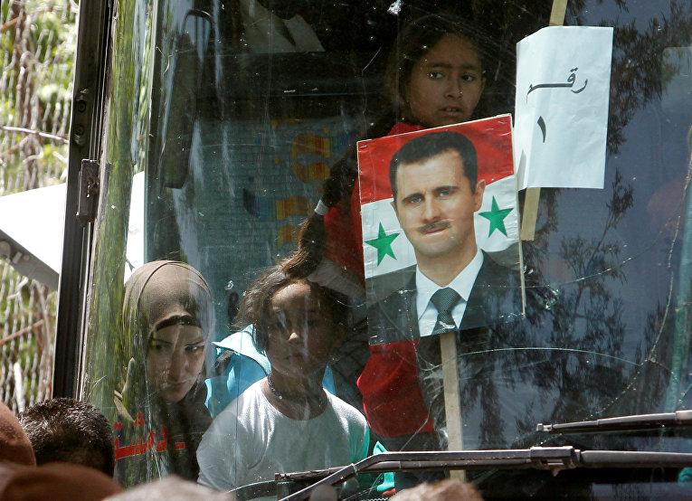 Сирийские беженцы возвращаются в Сирию из Ирана