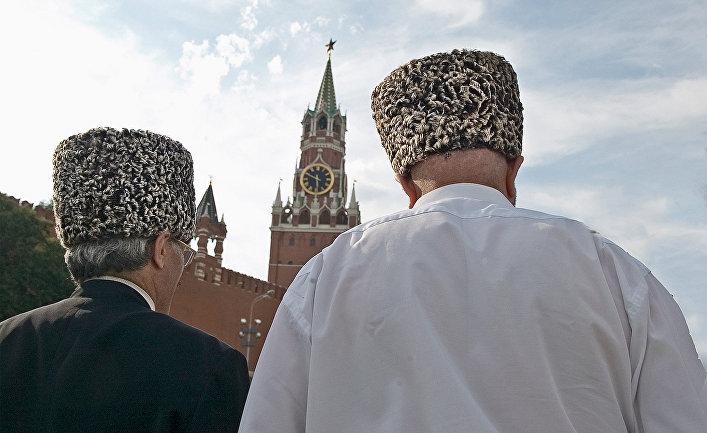 """Чеченцы, прибывшие с  """"Поездом  дружбы"""" из Грозного в Москву"""