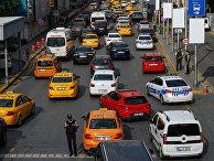 Автомобильное движение в Стамбуле, Турция