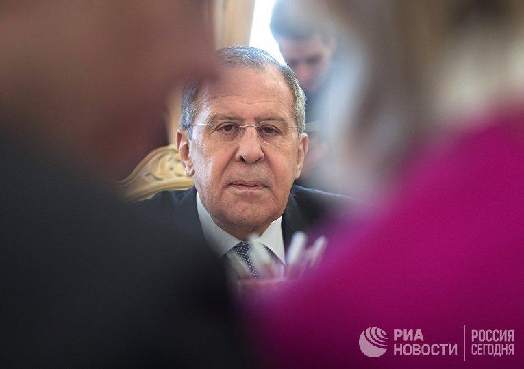 Министр иностранных дел РФ Сергей Лавров во время встречи с министром европейских, интеграционных и иностранных дел Австрии Карин Кнайсль. 20 апреля 2018