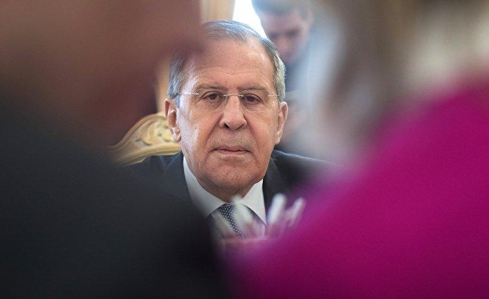 b48d2d3443b Министр иностранных дел РФ Сергей Лавров во время встречи с министром  европейских