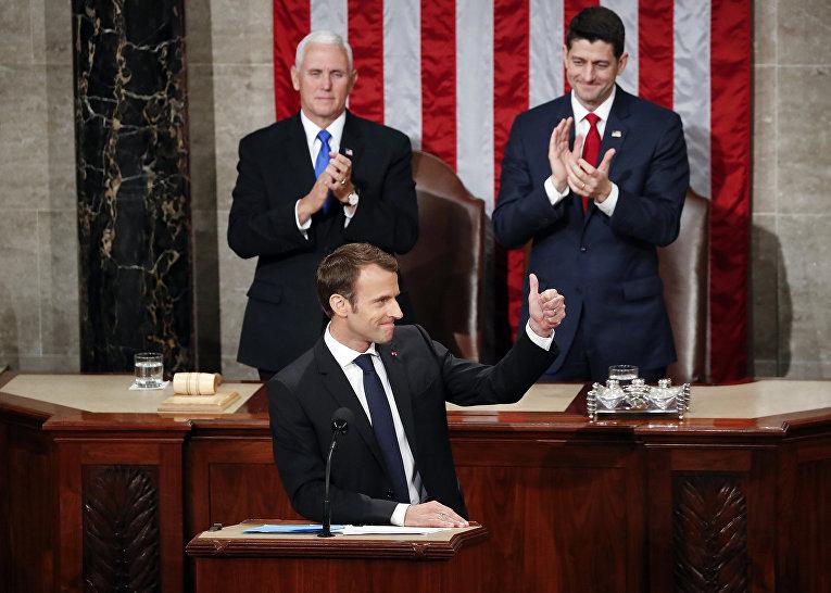Президент Франции Эммануэль Макрон после своего выступления в Конгрессе США