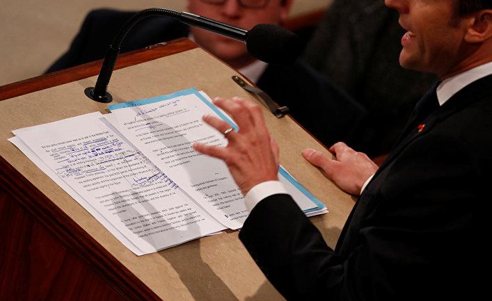 Президент Франции Эммануэль Макрон во время своего выступления в Конгрессе США