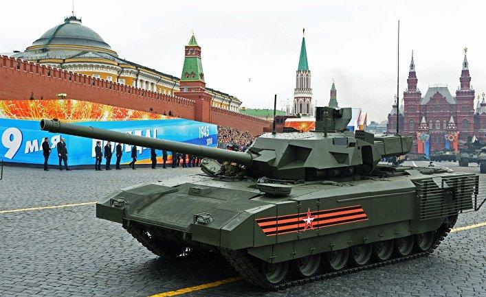 """Танк Т-14 """"Армата"""" на генеральной репетиции военного парада на Красной площади"""