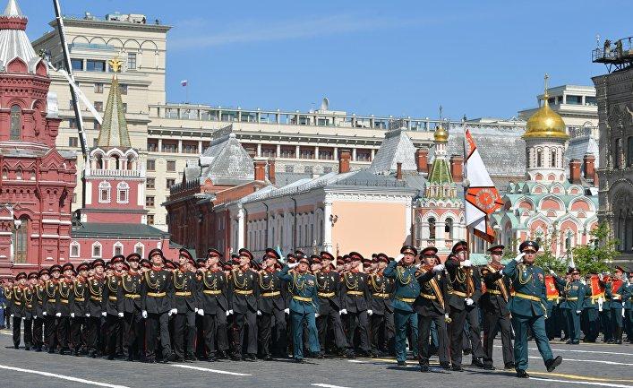 Военнослужащие парадных расчетов на военном параде, посвященном 73-й годовщине Победы в Великой Отечественной войне 1941-1945 годов. 9 мая 2018