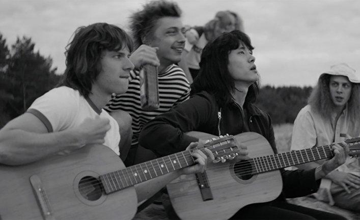 Кадр из фильма «Лето» Кирилла Серебренникова