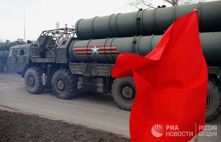 """Зенитная ракетная система С-400 """"Триумф"""""""