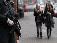 Полицейский на улице Белфаста