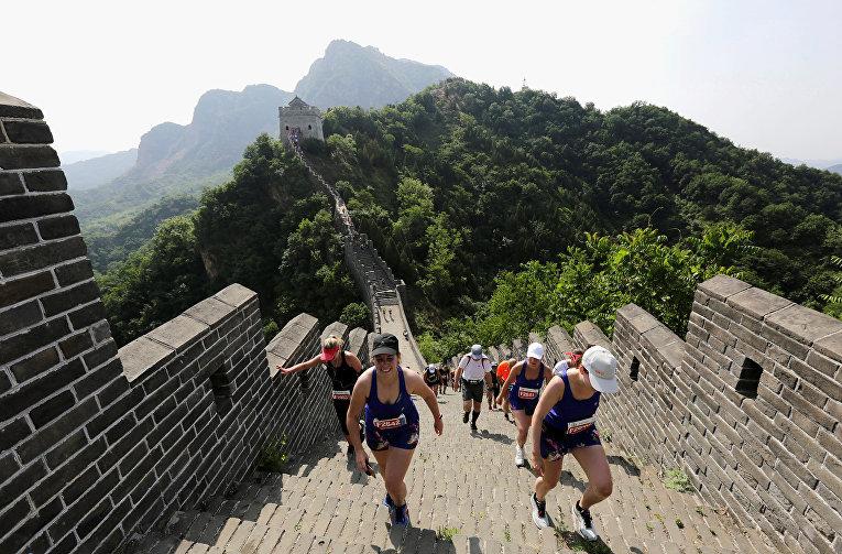 Участники марафона по Великой китайской стене