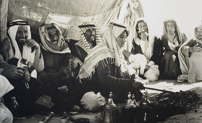 Бедуины готовят кофе в Саудовской Аравии
