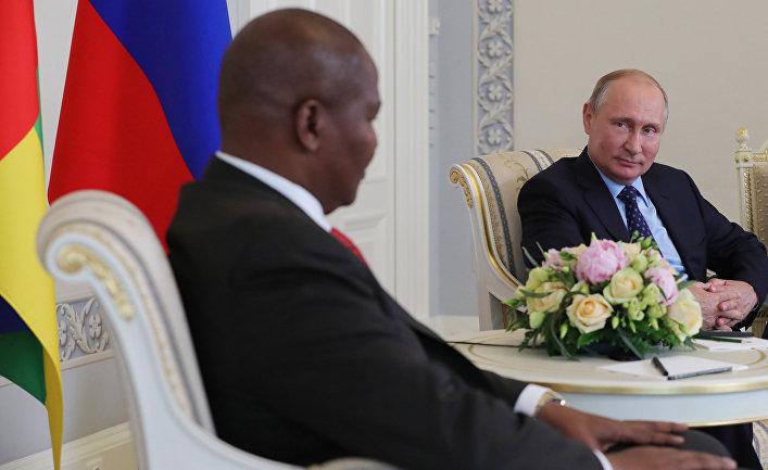 Президент РФ В. Путин встретился с президентом ЦАР Ф.-А. Туадерой
