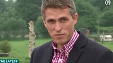 Richard Madeley cuts off Gavin Williamson after he repeatedly dodges question on Russia