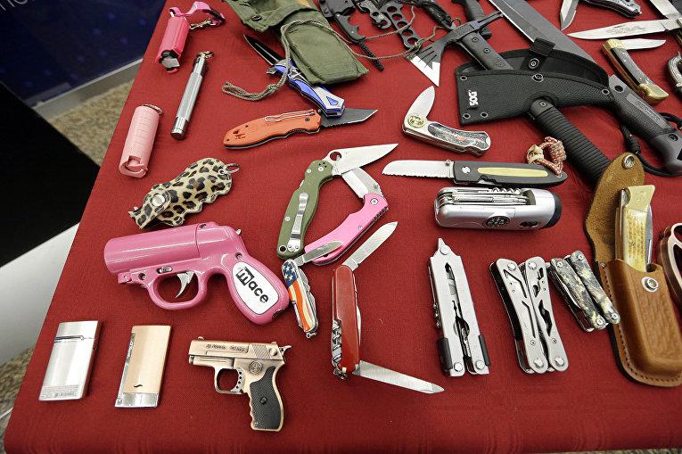 Оружие, конфискованное в одном из аэропортов США