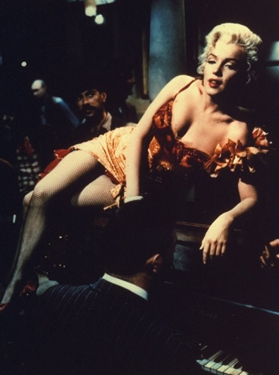 "Актриса Мэрилин Монро на съемках фильма ""Река, не текущая вспять"""