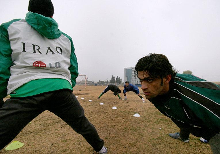 Футболисты национальной сборной Ирака тренируются в городе Арбиле