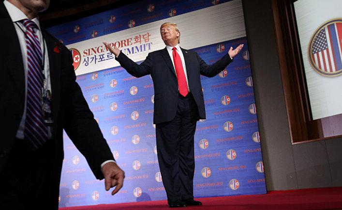 Президент США Дональд Трамп на пресс-конференции в Сингапуре