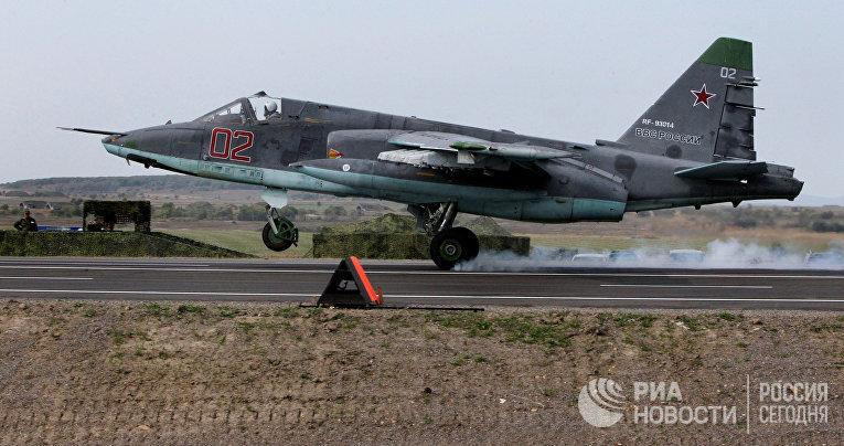 Посадка Су-25 на атотрассу под Минском