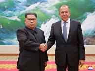 31 мая 2018. Сергей Лавров и Ким Чен Ын в Пхеньяне