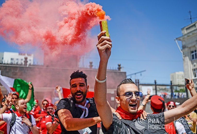 Болельщики перед матчем ЧМ-2018 по футболу между сборными Туниса и Англии