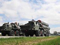 Зенитные ракетные комплексы C-400 во время тренировки парада Победы на военном аэродроме в Ростове-на-Дону