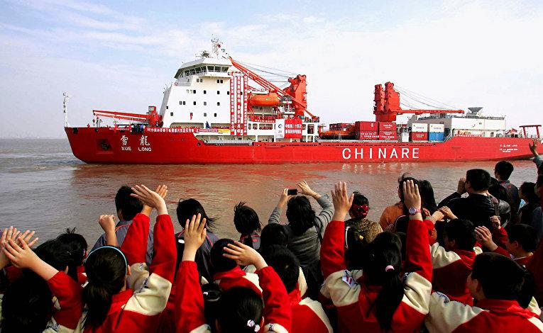 Китайский ледокол «Сюэ Лонг» в Шанхае