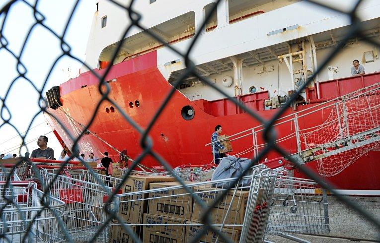 Китайский ледокол «Сюэ Лонг» в Австралии