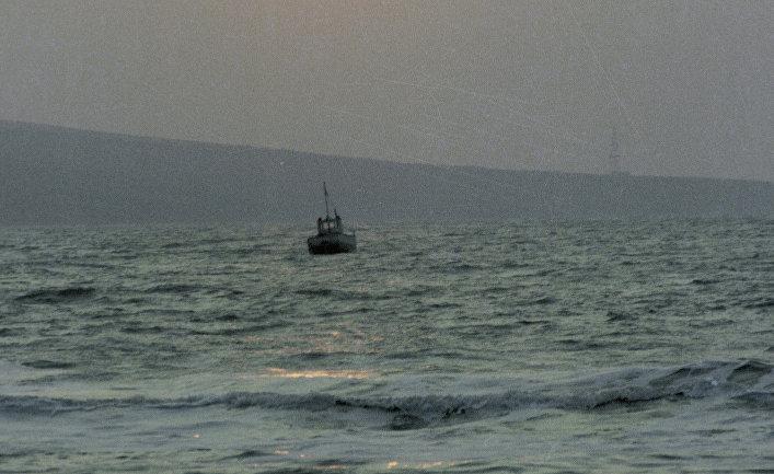 Судно в Азовском море. Архив