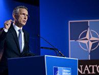 Генеральный секретарь НАТО Йенс Столтенберг во время пресс-конференции в Брюсселе. 10 июля 2018