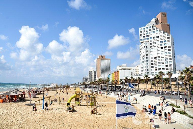 Набережная вдоль Средиземного моря в Тель-Авиве